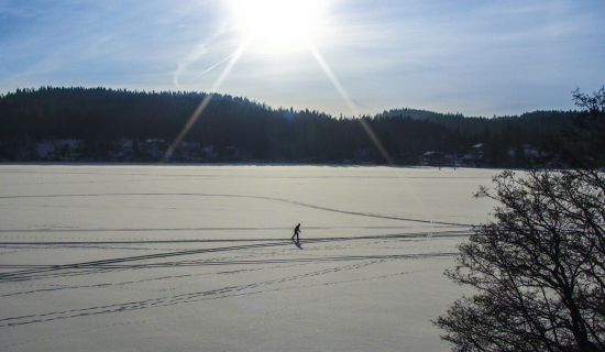 cross-country-skier-on-lake_sm